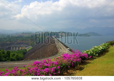 Surat Thani, Thailand - January 19, 2014: Ratchaprapha Dam In Khao Sok National Park