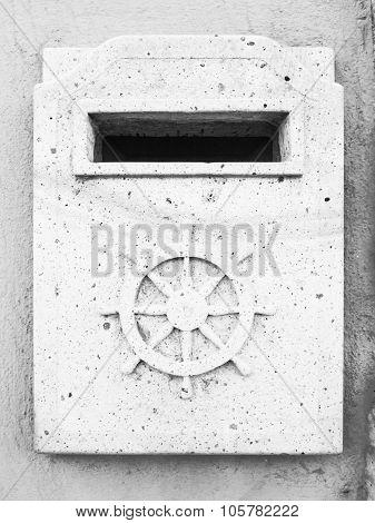 Mailbox Granite Helm