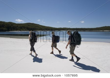 Three Hikers In Australia 4