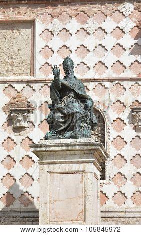 Pope Julius III monument