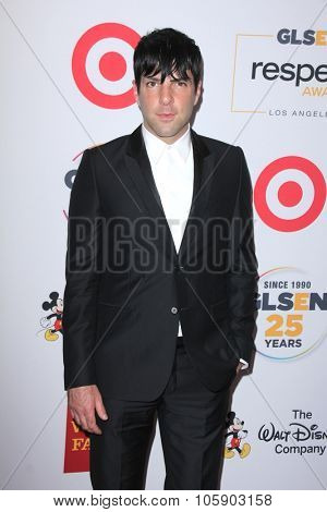 LOS ANGELES - OCT 23:  Zachary Quinto at the 2015 GLSEN Respect Awards at the Beverly Wilshire Hotel on October 23, 2015 in Beverly Hills, CA