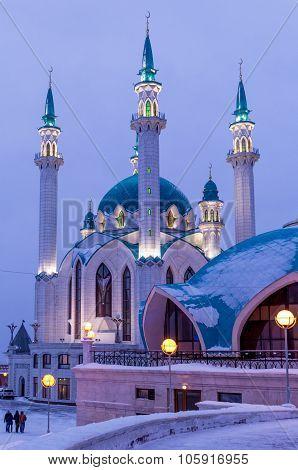 The Kul-Sharif mosque in night illumination