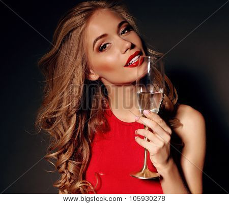 Holiday Pfoto Of Pretty Blond Woman In Rad Dress Holding Winegldss With Shapmagne