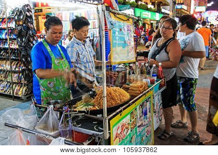 Bangkok, Thailand - April 17,2015: A Street Vendor Cocking The Famous Pad Thai In Khao San Road