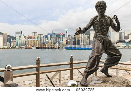 Kowloon, Hong Kong - August 13,2015: Bruce Lee Statue At The Avenue Of Stars.