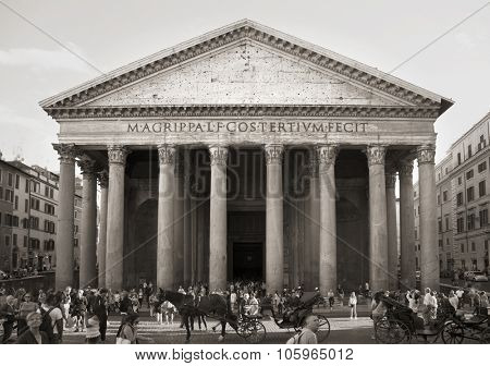 ROME-ITALY SEPT 24, 2015: The fabulous Pantheon is a religious and circular building in Rome, Italy.  Picture in black and white