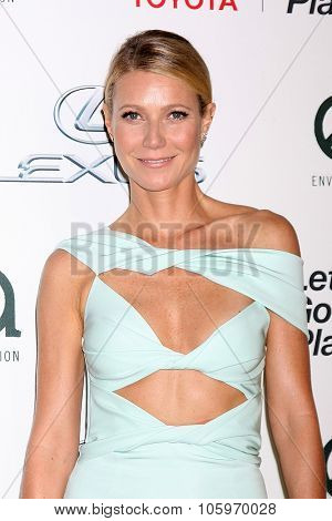 LOS ANGELES - OCT 24:  Gwyneth Paltrow at the Environmental Media Awards 2015 at the Warner Brothers Studio Lot on October 24, 2015 in Burbank, CA
