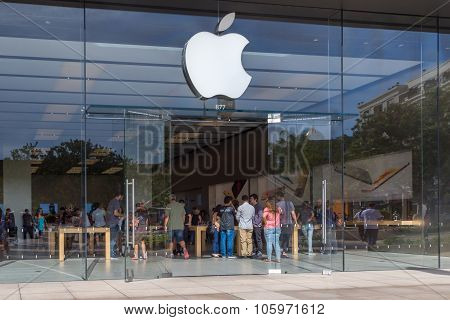 Apple Retail Store Entrance