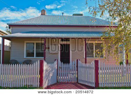Cosy Cottage In Rural Australia