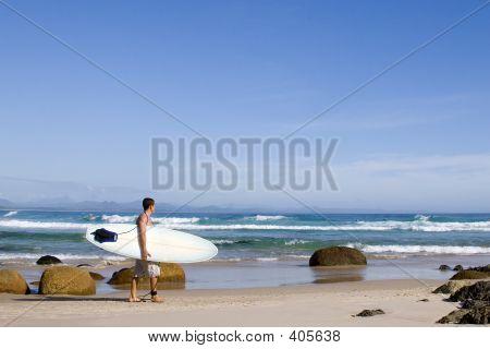 Surfer Australia Byron Bay 3