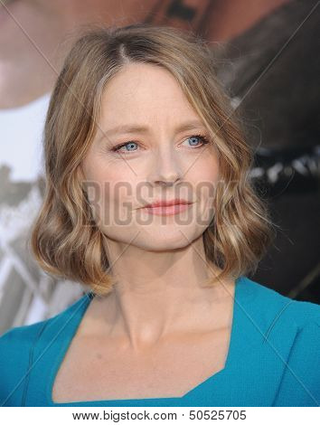 LOS ANGELES - AUG 07:  Jodie Foster arrives to