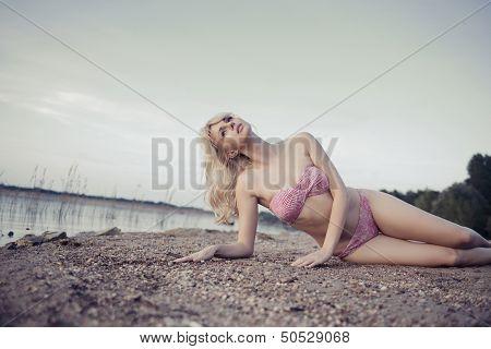Sexy blondie