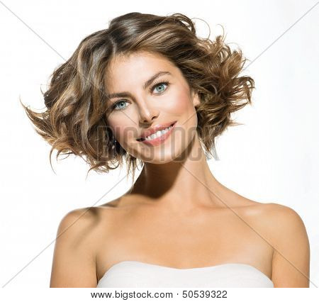 Portrait junge Frau Schönheit Isolated over White Background. Schönes Spa Model Girl Looking at kam