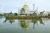 foto of southeast  - Sultan Omar Ali Saifudding Mosque Bandar Seri Begawan Brunei Southeast Asia - JPG