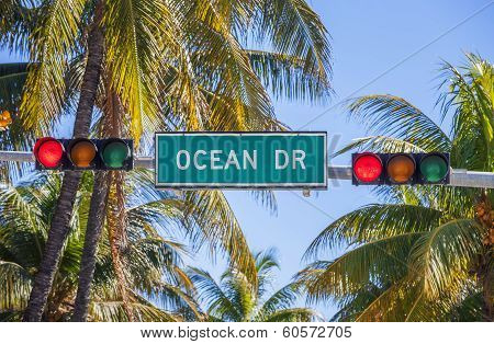 Ocean Drive Traffic Light