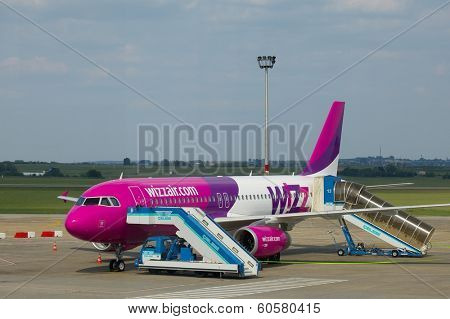 BUDAPEST, HUNGARY - MAY 5: Wizzair airliner at Budapest Liszt Ferenc Airport, May 5th 2012. Wizzair is a rapidly growing low-cost carrier based in Hungary.