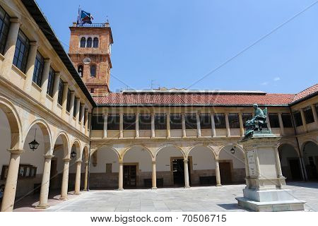 Oviedo University