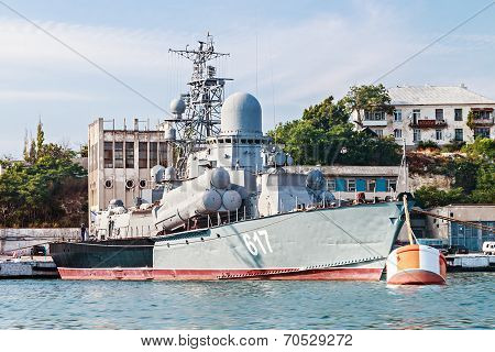 Small Missile Ship