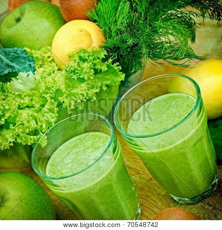 Green smoothie (organic smoothie)