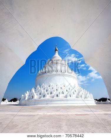 White Hsinbyume pagoda temple in Myanmar (Burma), Mandalay