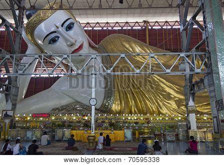 Kyaukhtatgyi Buddha, Yangon