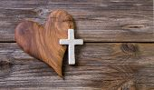 foto of cross  - Wooden background  - JPG