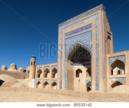 Alloquli Khan Medressa In Itchan Kala - Khiva