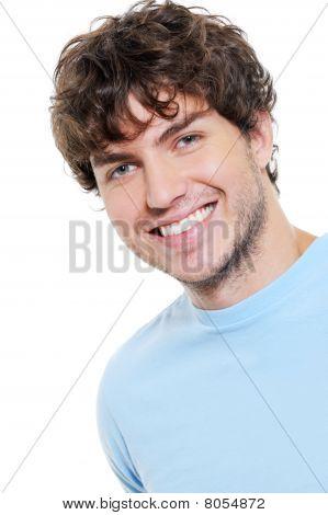 Retrato de chico guapo alegre feliz