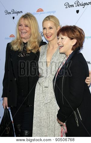 LOS ANGELES - MAY 12:  Cheryl Tiegs, Kelly Rutherford, Frances Fisher at the Children's Justice Campaign Event at the Private Residence on May 12, 2015 in Beverly Hills, CA