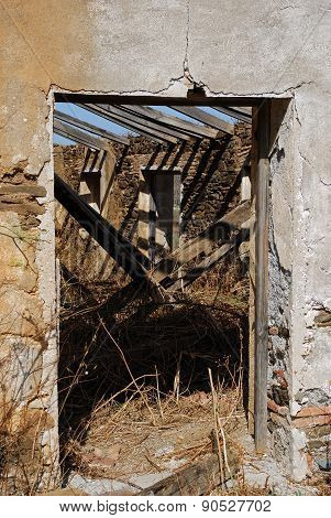 Derelict farm, Macharaviaya.