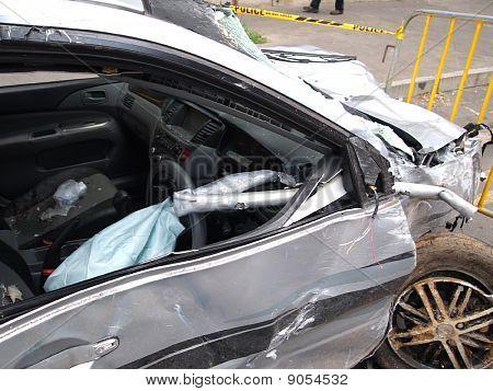 Car wreck in Mauritius