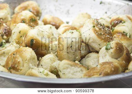 Fresh Garlic Knots