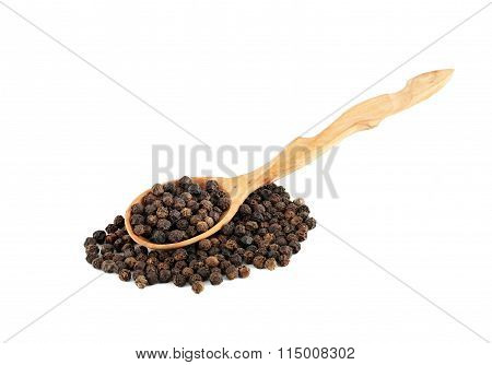 Dried pepper in a wooden spoon