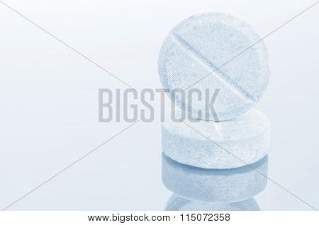 White  medicine antibiotic pills.