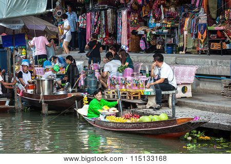Thailand Damnoen Saduak - December 14,2014 : Damnoen Saduak Floating Market Featuring Many Small Boa
