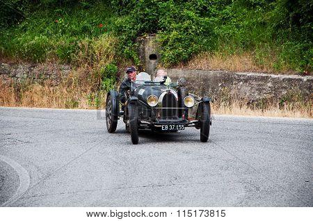 black bugatti