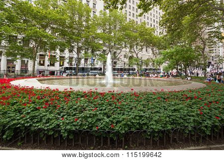 Fountain At Bowling Green Park In New York City.