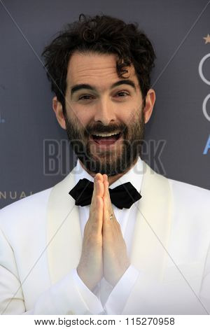 LOS ANGELES - JAN 17:  Jay Duplass at the 21st Annual Critics Choice Awards at the Barker Hanger on January 17, 2016 in Santa Monica, CA