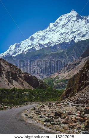 Road to Rakaposhi
