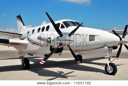 Twin engine plane