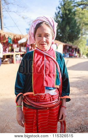 Chiangmai Thailand - Jan10 : Dara-ang  Thai Hill Tribe In Woman Tradition Clothes  On January 10 , 2