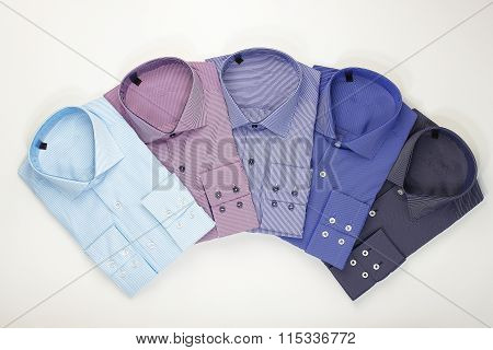 Set classic men's shirts