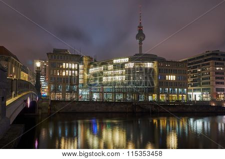 Night cityscape on the River Spree