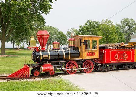 Green Bay WI - June 9, 2015: Narrow Gauge Train At Bay Beach Amusement Park