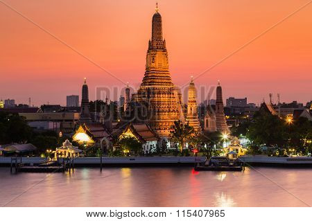 Arun Temple ( Temple of dawn) waterfront during sunset