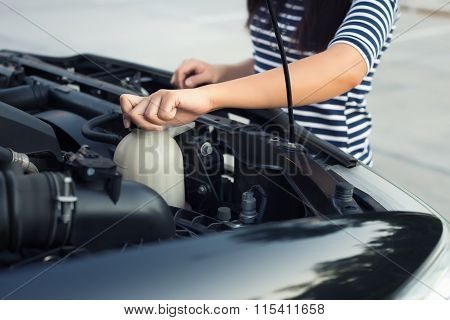 Car Coolant Checking