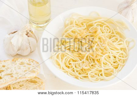 Tasty Spaghetti Pasta With Garlic And Oil