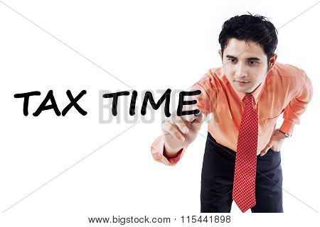 Tax Consultant Writes Tax Time