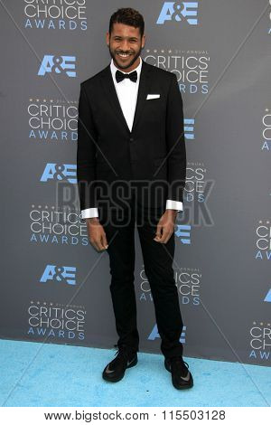 LOS ANGELES - JAN 17:  Jeffrey Bowyer-Chapman at the 21st Annual Critics Choice Awards at the Barker Hanger on January 17, 2016 in Santa Monica, CA