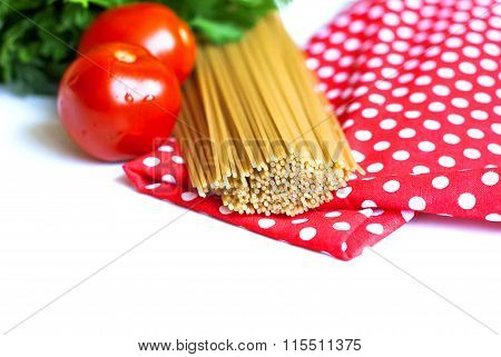 uncooked spaghetti and ingredients